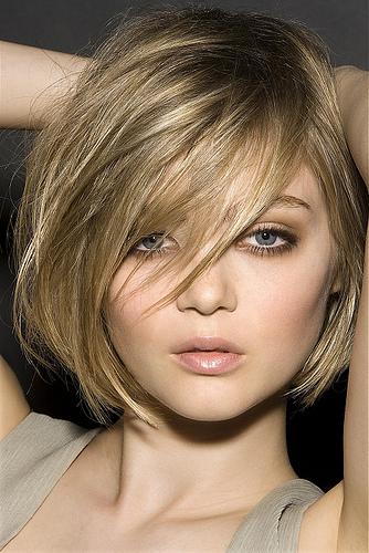 tendência 2014 em cabelos curtos para quem tem o rosto redondo